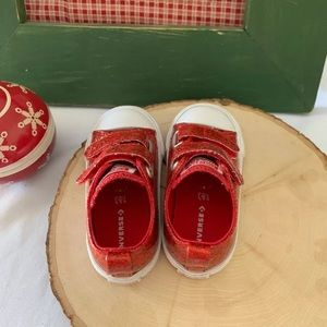 Converse Shoes - Converse size 6 Toddler Holiday